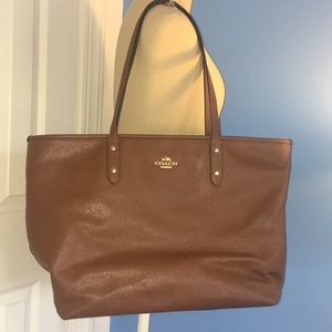 Gently used Coach tote bag!!